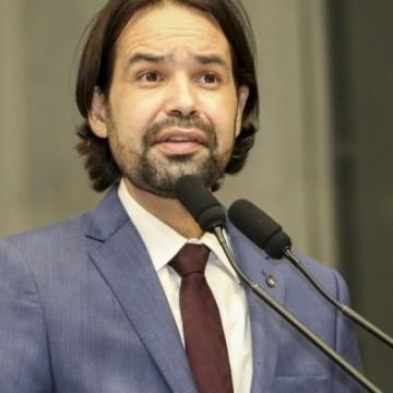 Deputado Diogo Moraes critica planejamento de algumas prefeituras do estado na aplicação das vacinas
