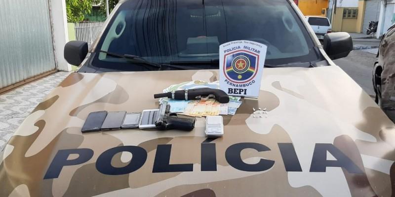 Armas, drogas e veículos estão entre os materiais apreendidos na Operação Novos Ares deflagrada nesta quarta (05)
