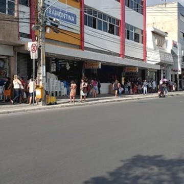 Ponto facultativo divide opiniões e Sindloja orienta os lojistas de Caruaru