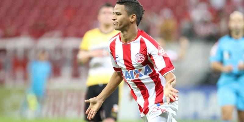 Velhos conhecidos da torcida alvirrubra, Ronaldo Alves e Erick devem iniciar preparação