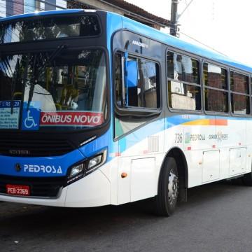 Mesmo diante de outras medidas para evitar aglomerações por causa da Covid, ônibus seguem lotados na Região Metropolitana do Recife