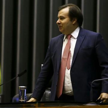 Presidente da Câmara vê país caminhando para o autoritarismo