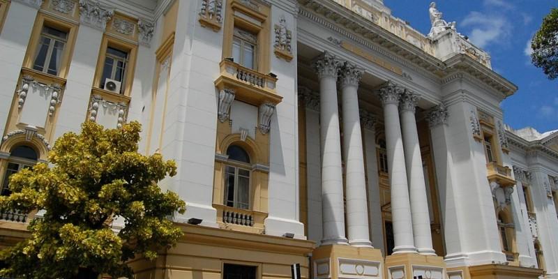 A cadeira de chefe do Judiciário estadual agora é ocupada pelo corregedor-geral da instituição, o desembargador Fernando Cerqueira