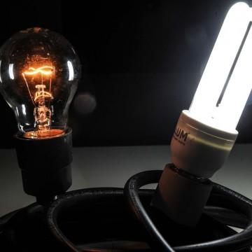 Consumidores podem fazer descarte correto de lâmpadas usadas