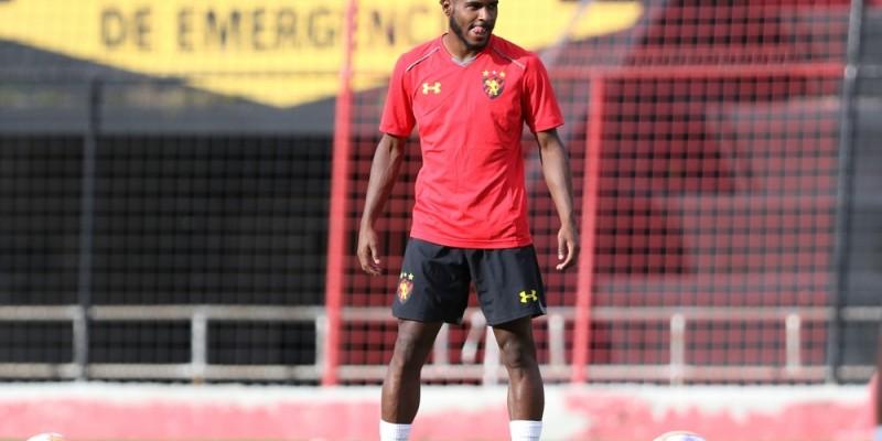 Jogador  de 21 anos foi desejo do técnico Rogério Ceni