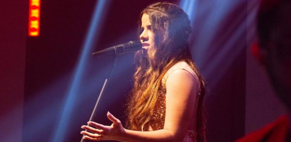 Sofia Nunes se apresenta no Prêmio Pódio Pernambucano