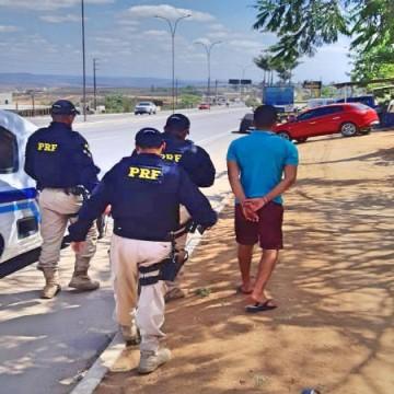 Homem é preso com arma em Garanhuns