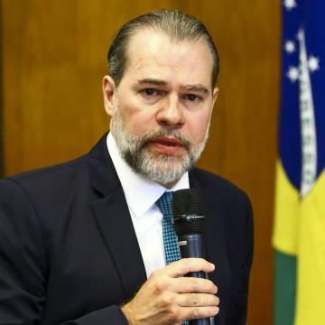 Presidente do STF é internado em Brasília