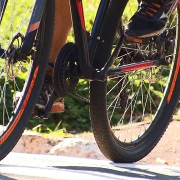 Ciclista morre ao ser atropelado no Recife