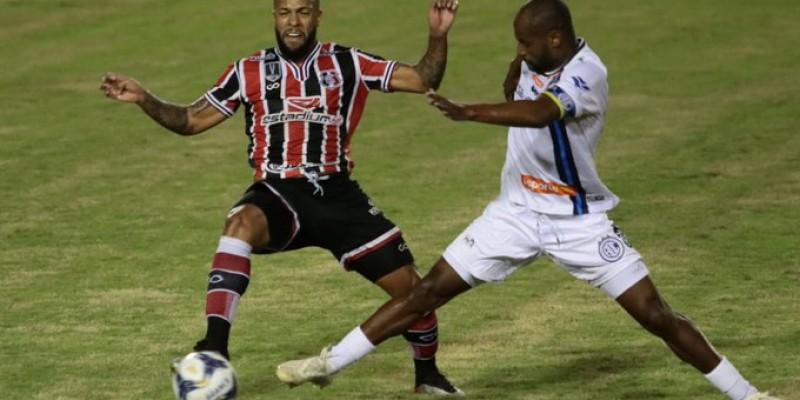 O Confiança venceu o tricolor do Arruda nos pênaltis (4 a 2) após empatar por 0 a 0 no tempo normal