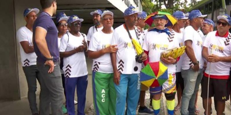 O embarque ocorreu em dois ônibus disponibilizados pela Prefeitura do Recife