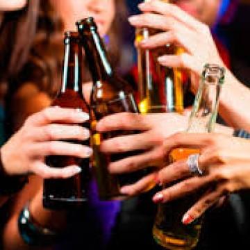 DPCA aborda o uso de álcool e outras drogas ilícitas com crianças e jovens durante o carnaval