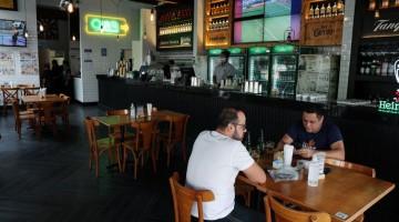 Horário de funcionamento de bares e restaurantes é ampliado em Pernambuco