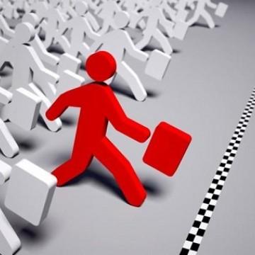Micro e pequenas empresas puxam empregos em outubro