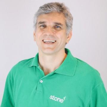 Stone compra líder em softwares de gestão para varejo Linx
