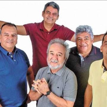 Lá Vem Os Violados - biografia celebra os 50 anos de sucesso do Quinteto Violado