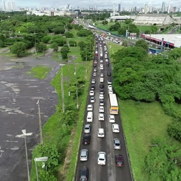 Grande Recife tem primeiro dia útil do rodízio na quarentena