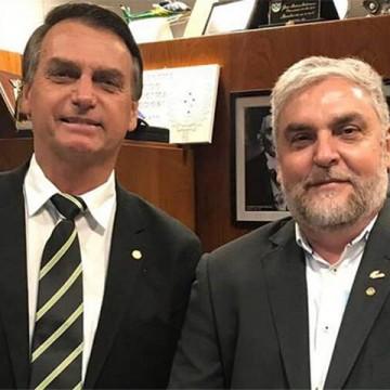 """""""Nunca tripudiou, nunca falou, sempre respeitou, as perdas que nós tivemos no Brasil"""", diz Silvio Nascimento sobre Bolsonaro"""