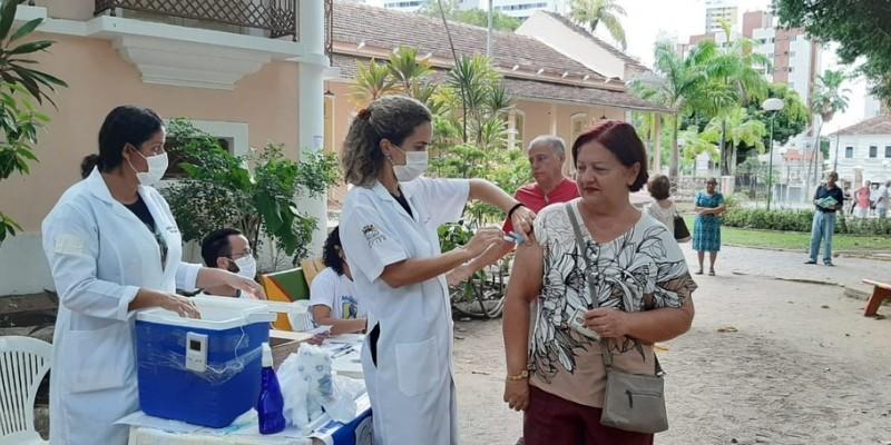 A campanha será temporariamente interrompida até que o Ministério da Saúde envie mais doses da vacina