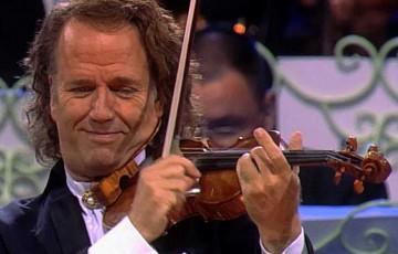 Ex-integrante da orquestra de André Rieu canta nesta quarta-feira no Recife