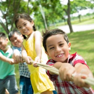 Cuidado e atenção redobrada com as crianças durante as férias