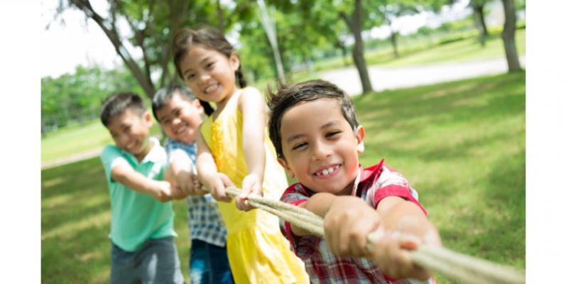 Nesse período de férias os pequenos estão mais aventureiros e prontos para a diversão, e os responsáveis devem ficar atentos
