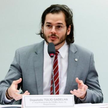 Túlio Gadelha apresenta PL que prioriza destinação de EPIs para profissionais de saúde