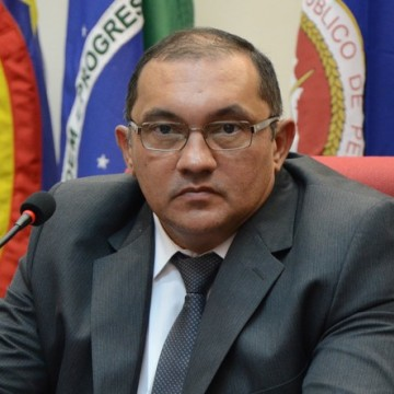 Municípios não podem descumprir normas estaduais destinadas a evitar a propagação da Covid-19, diz MPPE