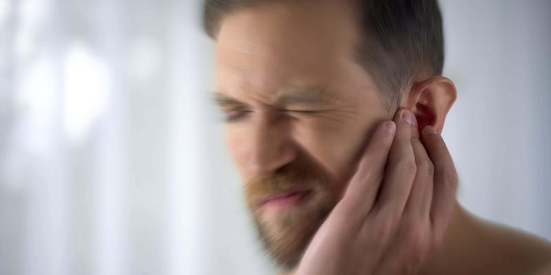 O incômodo barulho que as pessoas escultam sem fonte sonora