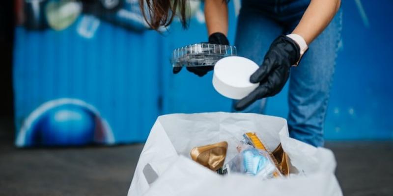 Biólogo explica porque é importante descartar de forma correta o lixo