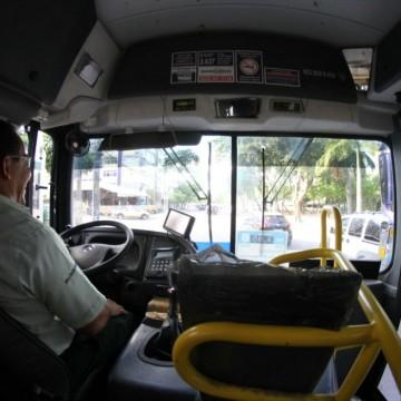 Vereador apresenta PLO que veta a dupla função dos motoristas de ônibus