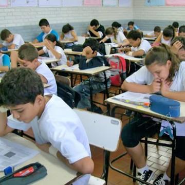 Panorama CBN: Um a cada cinco estudantes não teve atividade escolar em julho