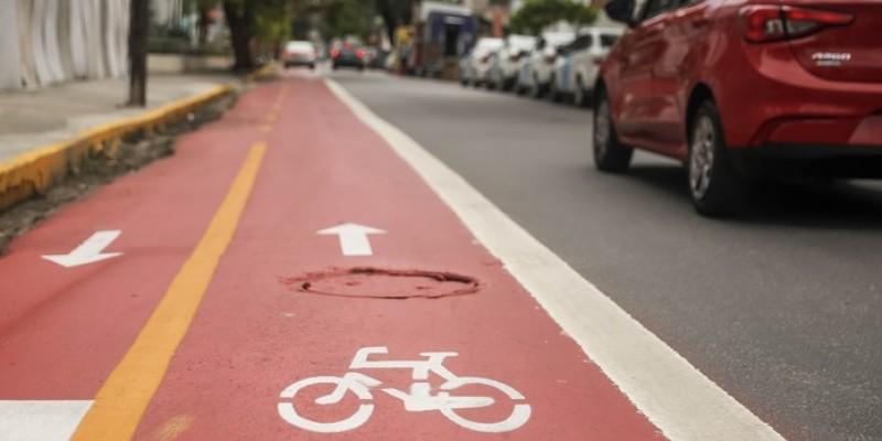 O objetivo é entregar 100 km de ciclofaixas e ciclovias no município, nos próximos quatro anos