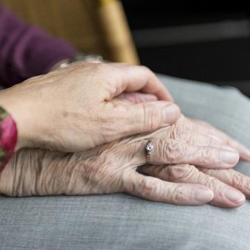 Campanha alerta para os cuidados com a pessoa idosa