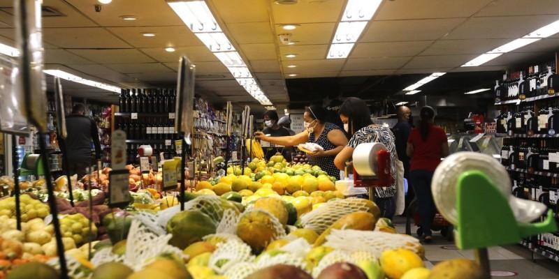 No Brasil, o indicador subiu mais do que o dobro: 0,81%