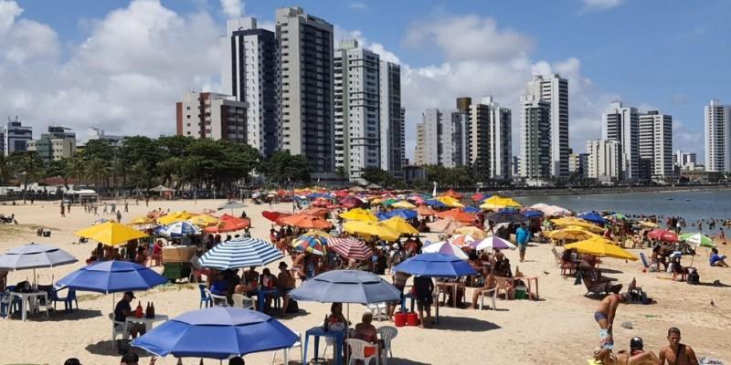 Por enquanto, o governo não sinalizou fechamento de praias ou ações específicas para a faixa de areia