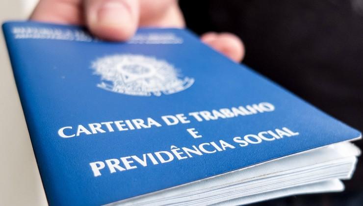 Confira as vagas de trabalho oferecidas nesta segunda-feira (14) em Caruaru