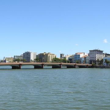 Dia do rio é comemorado com navegação exploratória no Capibaribe