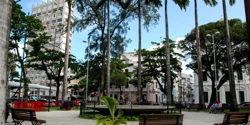 Às 10h desta sexta-feira (27), os interessados já podem se inscrever pelo site www.olharecife.com.br