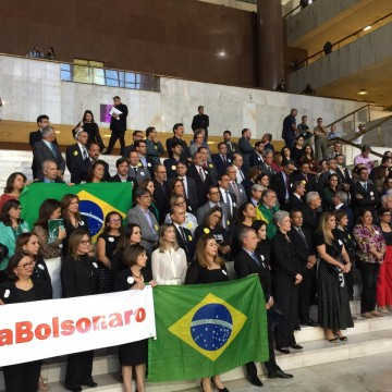 Juízes e promotores protestam contra lei do abuso de autoridade
