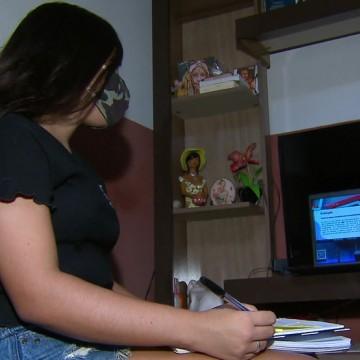 'Acelere no Enem' ajuda alunos de escola pública se preparar para o exame