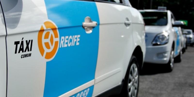 Taxistas devem ficar atentos à documentação necessária e ao dia e hora agendados