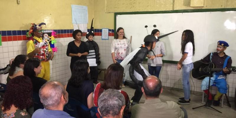 O lançamento ocorre na Escola Estadual Professor Mota e Albuquerque na Tamarineira, Zona Norte do Recife
