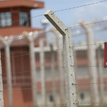 Casos de covid-19 no sistema prisional saltam 100% em 30 dias