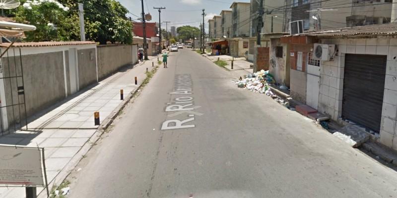 Com 550 metros, a tubulação, está sendo implantada entre as Ruas Rio Amazonas e Itaquice, no lado direito da via, sentido Avenida Recife
