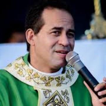 Prefeito de Tamandaré comete equívoco ao colocar nome do Padre Arlindo na lista de testemunhas de defesa de Sarí Corte Real no Caso Miguel