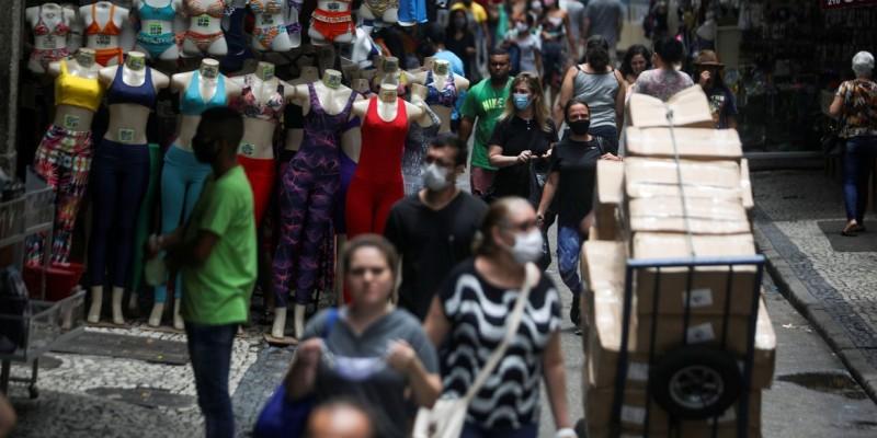 Faturamento de lojas pode subir 3,4%, diz a CNC