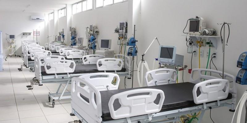 A capital pernambucana conta com 388 leitos, sendo 222 unidades de terapia intensiva, para tratar pessoas com síndrome respiratória aguda grave