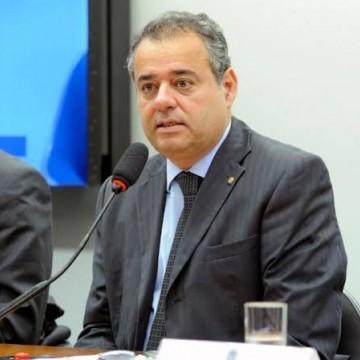 PL assegura acesso igualitário de pessoas com deficiência auditiva em concursos públicos