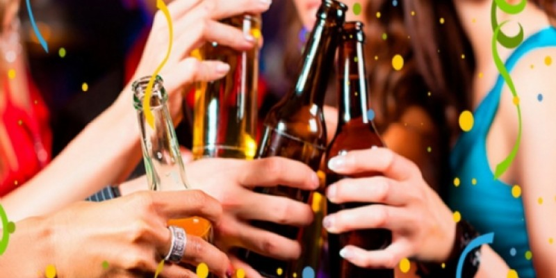A fiscalização para garantir que menores de 18 anos não entrem desacompanhados em bares e locais de festa com venda de ingresso para coibir a ingestão de bebida alcoólica